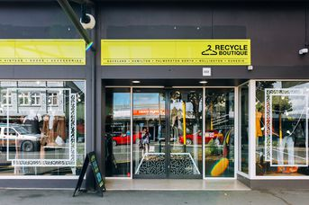 The entrance to Recycle Boutique, Hamilton.